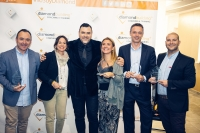 Foto de familia de los premiados por Diamond Building