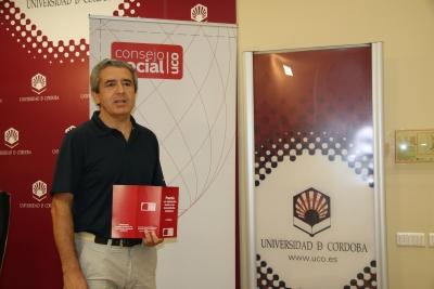 Melchor Guzmán durante la presentación del premio
