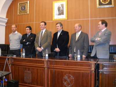 Participantes en la mesa de diálogo