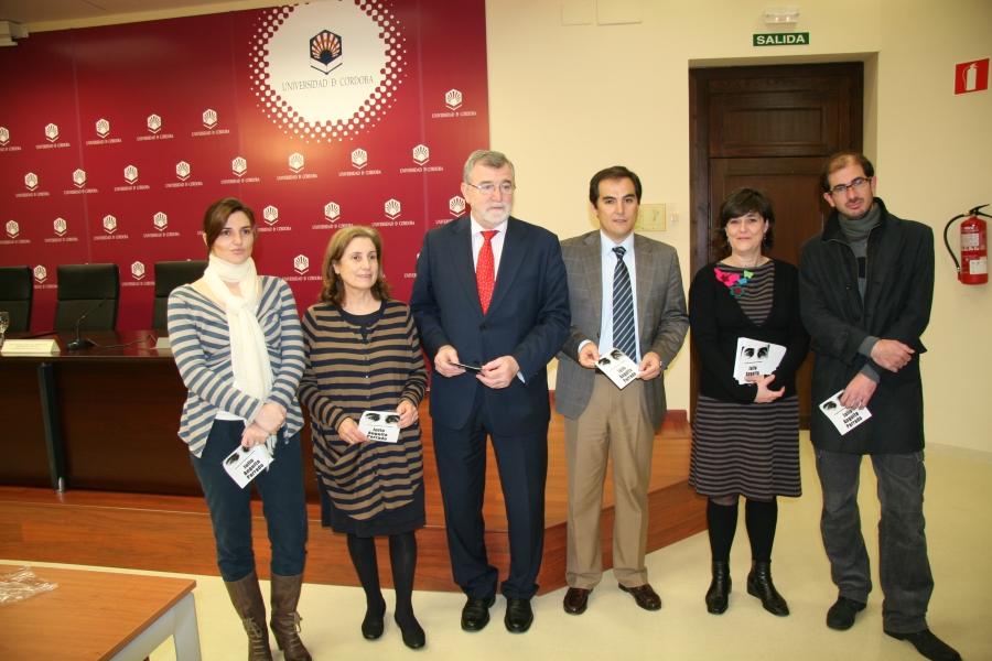 Presentado el vi premio internacional de periodismo julio for Manuel alba