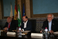 De izda. a dcha., Miguel Ángel Moratinos, Manuel Torres y José Esquinas