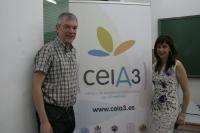 Los profesores Juan Carlos García Mauricio y María Teresa García Martínez, del Departamento de Microbiología de la Universidad de Córdoba