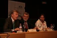 De izqda. a dcha. Rolf Tarrach, José Manuel Roldán y Monica Margarit