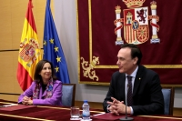 El rector, durante su intervención, tras la firma de convenio con la ministra de Defensa, Margarita Robles
