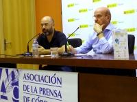 De izquierda a derecha, Luis Medina y Carlos Dávila en la presentación del seminario