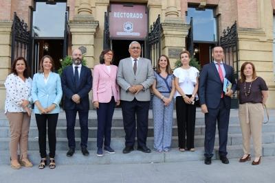 Autoridades asistentes a la inauguración del congreso celebrado en el Rectorado.