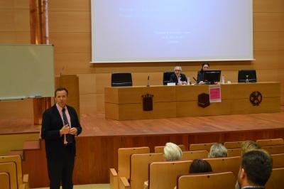 De izquierda a derecha, Eulalio Fernández, Pedro Poyato y Dolores Vargas.