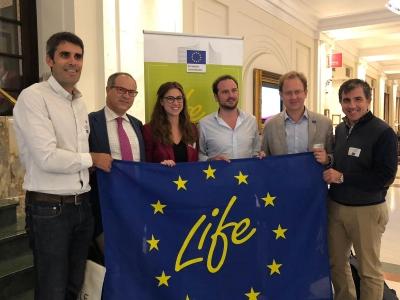 Imagen de los responsables de los proyectos tras la presentación en Bruselas.