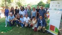 Autoridades y parte de los participantes en el proyecto