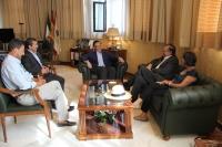 Un momento de la visita al rector, José Carlos Gomez Villamandos