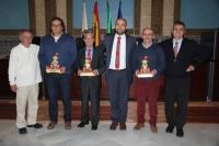 Autoridades y galardonados al término del acto de entrega de premios.
