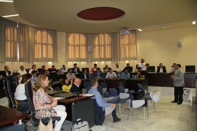 El presidente de Fundecor, Librado Carrasco, da la bienvenida a los asistentes a la reunión.