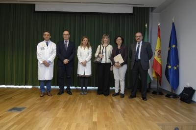 las autoridades asistentes a la inauguración de las II Jornadas de Enfermedades Raras.