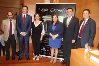 De izquierda a derecha, Antonio Ruiz, Eulalio Fernández, Isabel Ambrosio, Ana María Carrillo, José Carlos Gómez Villamandos y Fernando Fuentes en la presentación del curso.