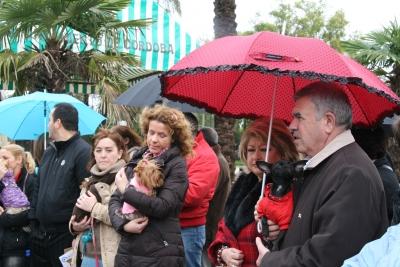 Pese a la lluvia muchas personas se acercaron a cumplir con la tradición
