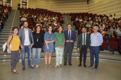 Autoridades académicas asistentes a la jornada de acogida para el alumnado de nuevo ingreso de Veterinaria.