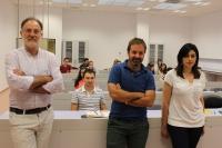 Rafael Navarro (izquierda), José Luis Quero, de la Universidad de Córdoba; y Carmen Morales, de la Universidad Técnica de Múnich.