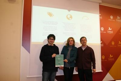De izqda. a dcha. Felipe Alcaide, Rosario Mérida y Tomás de Haro