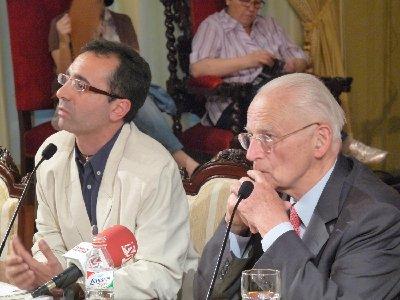 Touraine recuerda Mayo del 68 y defiende la autogestión