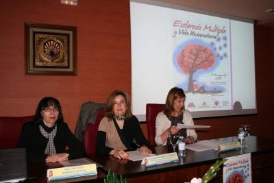 De izquierda a derecha, Antonia Ramírez, Rosario Mérida y María García.