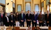 Autoridades y ponentes en la inauguración de las jornadas