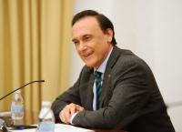El rector, José Carlos Gómez Villamandos, en un momento de su conferencia.