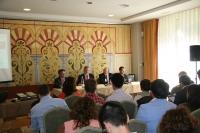 Un momento de la sesión sobre modelos de intervención de emprendimiento en la Universidad moderada por el rector Jose Manuel Roldán