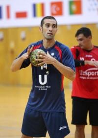 Alberto Requena jugando con la UCO durante el europeo de Braga 2015.