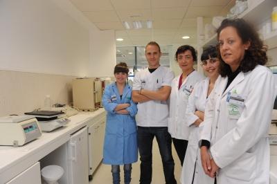 El equipo de investigación de Rosario López en las instalaciones del Imibic