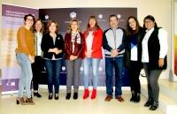 Foto de familia de autoridaes, profesorado y personal que participa en el desarrollo de la Red