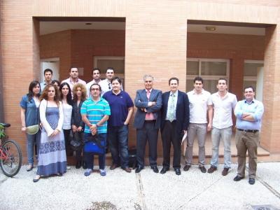 El gerente de Difasa, José Fajardo, junto a profesores y alumnos del máster