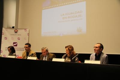 De izquierda a derecha, Amelia Sanchís, Pablo García Casado, Francisco Alcalde, María Rosales y el autor del libro, Octavio Salazar.