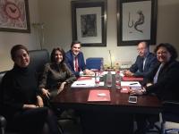Representantes de la Universidad y el Banco Santander durante la reunión.
