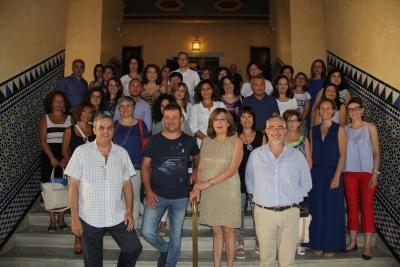 En la foto, la Vicerrectora de Estudios de Posgrado y Formación Continua y el director de la Escuela de Doctorado de la UCO, junto a responsables de la Associazione Mnemosine y alumnos, en la inauguración de las Jornadas.
