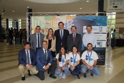 Autoridades y miembros de la organización en Tecno-ingenia