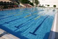 Imagen de la piscina exterior de Rabanales