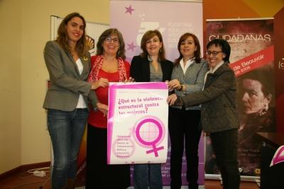 De izq. a dcha. Lourdes Pastor, Rafaela Pastor, Rosario Mérida, Mercedes Bermúdez y Amelia Sanchís