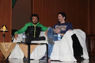 Paco Acedo y César Bona en la Facultad de Ciencias de la Educación.