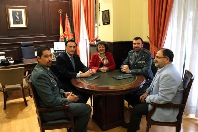 De izquierda a derecha, Daniel García Bravo, José Carlos Gómez Villamandos, Rafaela Valenzuela Jiménez, Juan Carretero Lucena y Librado Carrasco Otero en la presentación del programa