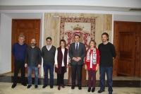 Foto de familia de autoridades asistentes a la firma del acuerdo.