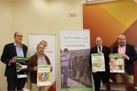 De izquierda a derecha, Manuel Vaquero, Francisco Villamandos, Antonio Cubero y Francisco de Paula Algar con los diferentes carteles del Programa Ecocampus de este año.