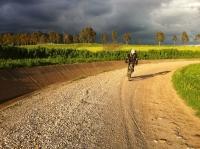 En bici por el camino del canal