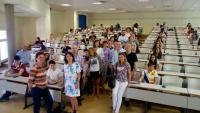 Participantes y profesores en la celebración de la VIII Olimpiada de Economía 2016
