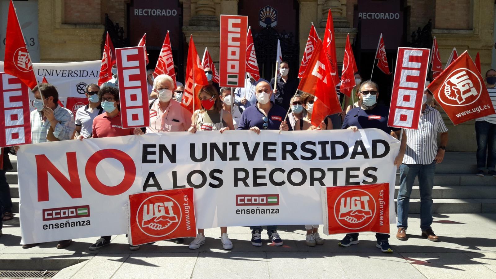 Concetración UGT y CCOO contra recortes Junta de Andalucía