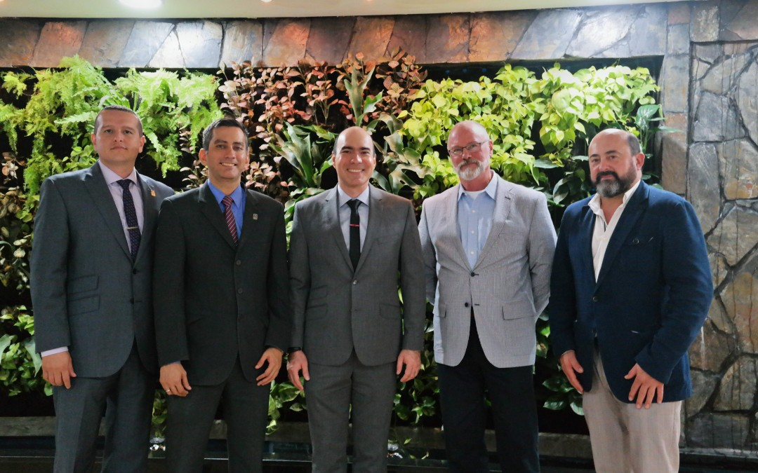 Manuel Torres y Fernando López participan en Colombia en un encuentro internacional sobre el proceso de paz