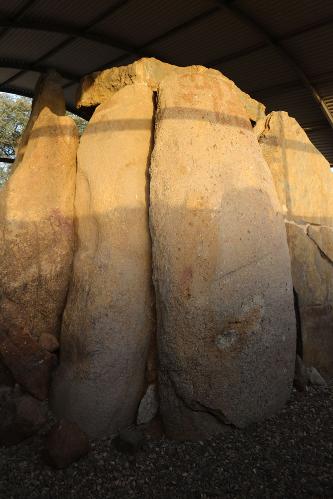 Vista del dolmen de la Casa del Don Pedro_5 ©Araceli Cristo Ropero