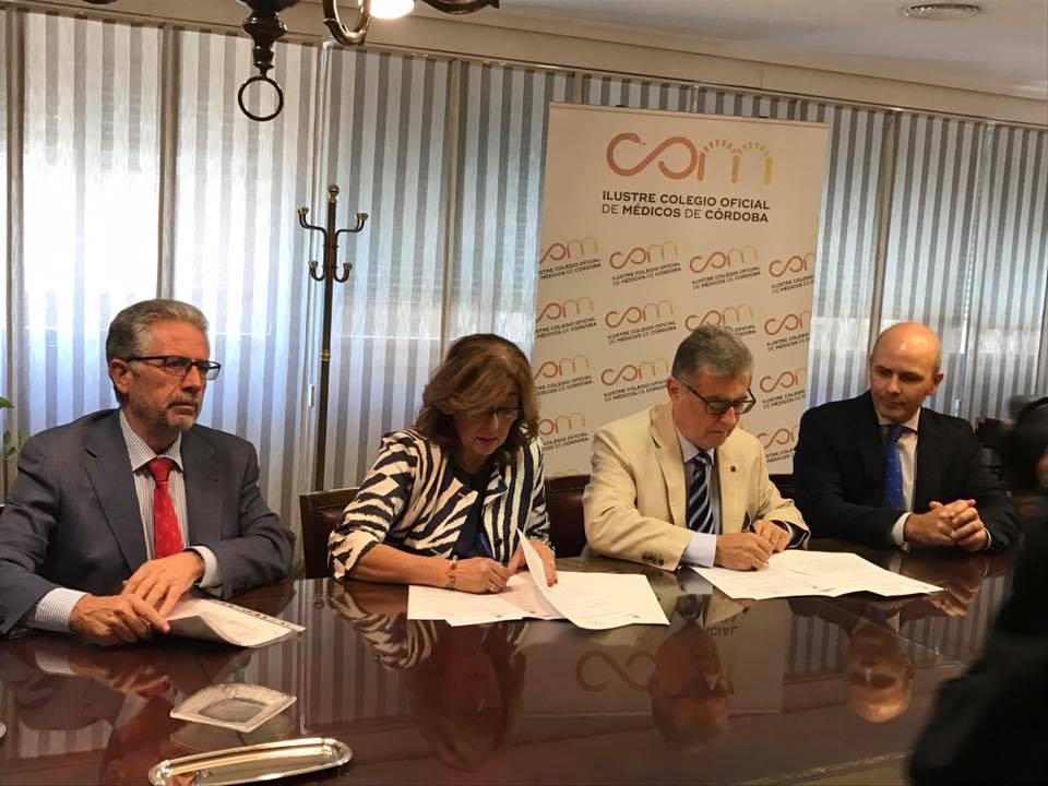 El Colegio de Médicos de Córdoba y UCOidiomas firman un convenio de colaboración
