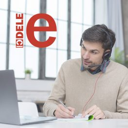 alumno-siguiendo-clases-online-DELE
