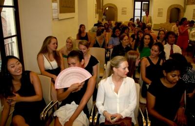 Estudiantes del programa Preshco en el último acto de bienvenida