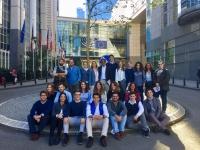 Foto de grupo de los estudiantes durante la visita